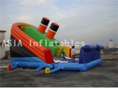 Diapositiva titánica gigante inflable