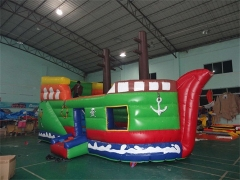 Bouncer inflable del barco pirata