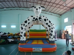 Bouncer dalmatian de 13 pies