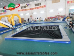 Piscina inflable del mar